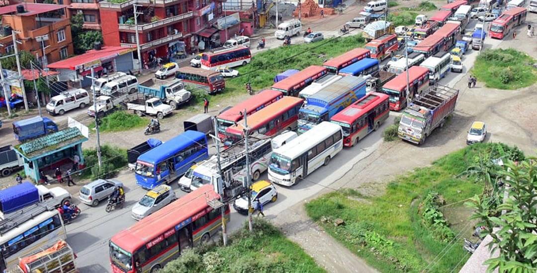 यातायात व्यवसायीको विरोध र्यालीः काठमाडौंको ट्राफिक व्यवस्थापन अस्तव्यस्त